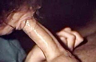 Giovane Latina guardando porno sul computer portatile e sexy porno mature strofina la figa sul cuscino! In questo modo, si è portata all'orgasmo